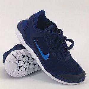 NWOB Nike Free RN 2018 Boys Blue Sneakers Flexible